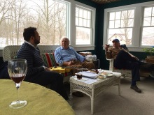 Quase um ensaio na companhia de Bucky e Martin Pizzarelli, New Jersey, 2015, por Emilene Miossi