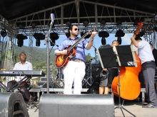 Tributo ao Frank Sinatra pela Radio Eldorado com Ricardo Baldacci Trio em Paranapiacaba, 2015, por Emilene Miossi